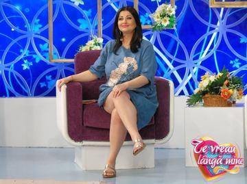"""Gabriela Cristea, graviduta sexy la plaja! Vezi ce burtica mare are prezentatoarea """"Te vreau langa mine"""" – Foto!"""