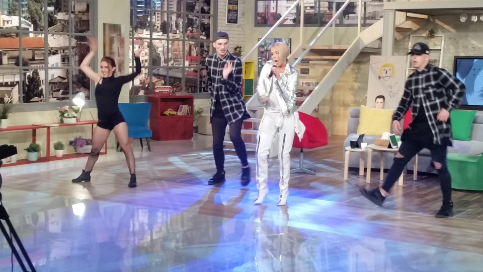 "Nineka, artista din Turcia, a lansat in Romania al doilea single! Asculta ""Push It, Push It""! Video!"