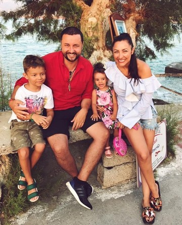 """La sfarsitul vacantei in Grecia, Andra le-a marturisit fanilor ei ce are pe suflet: """"Se spune ca... """""""