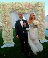 Prima fotografie cu sotia lui Dan Badea in rochie de mireasa! WOW, pur si simplu straluceste