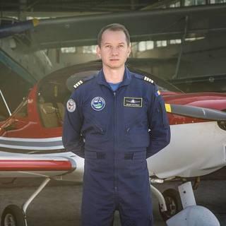 """Zvonul ca Mihai Sturzu este pilotul decedat in accidentul aviatic de la Iasi s-a raspandit printre prietenii acestuia! Amicii fostului membru al trupei HI-Q au fost inspaimantati: """"Ai scapat?"""""""