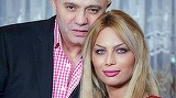 S-a zvonit ca divorteaza de Cristina, dar Nicolae Guta si-a gasit rapid linistea in bratele altei blonde