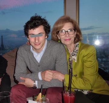 Prima sotie a lui Dinu Patriciu s-a intors in Romania! Casatorita in Franta cu un scriitor roman, Mihaela si-a petrecut concediul pe litoral si a mers in Vama Veche