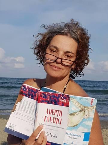 La 55 de ani, Maia Morgenstern a facut un spagat perfect pe scena FOTO