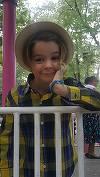 Baietelul lui Andrei Duban a inceput scoala. Pustiul s-a imbracat in mari fite la ceremonia de deschidere a anului scolar!