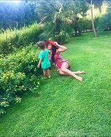 """Ce nu face Andreea Mantea de dragul fiului ei? Vedeta Kanal D s-a apucat de cursuri de inot! """"David nu vrea la piscinutele pentru copii, vrea la cele pentru oameni mari"""" VIDEO EXCLUSIV!"""