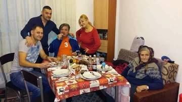 """Halucinant! Mugurel şi Cristian Sfetcu au pornit un nou scandal:""""Nu credem că mama a murit de hepatită C"""""""