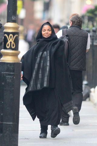 Janet Jackson a slăbit 30 de kilograme după ce a devenit mamă! Cum arată acum