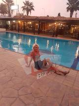 Ce bine o duce Maria Constantin in Cipru! Isi etaleaza corpul la piscina si radiaza de fericire! L-a dat total uitarii pe Marcel Toader! FOTO EXCLUSIV