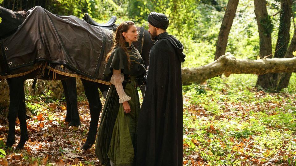 Kosem nu imparte puterea cu nimeni! Sultana este foarte suparata pe fiul ei, in episodul de azi, de la 20.00, la Kanal D