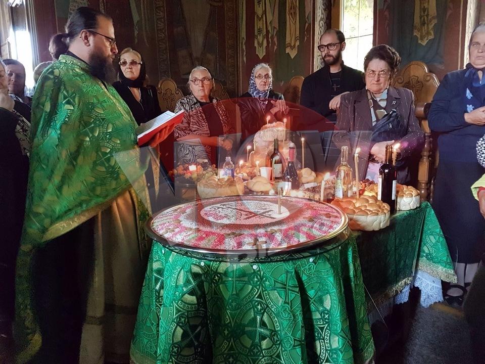 Ce s-a intamplat dupa parastasul lui Aurelian Preda si al tatalui Silvanei Riciu, de la Manastirea Dervent! Unei vedete i s-a facut rau   Video Exclusiv!