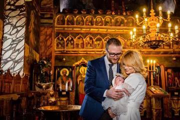 Gata, nu o mai ascunde! Dupa botez, Simona Gherghe a postat imagini in care se vede chipul fetitei sale. Cat de frumoasa e Ana Georgia