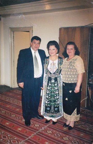 """Declaratii in premiera! Fostul socru al Mariei Constantin: """"Nu am fost de acord ca fiul meu sa se insoare cu ea!"""" Vasile Tapota Lataretu este tatal lui Ciprian, primul sot al cantaretei! """"N-am avut ce face, era pana la urma treaba lor. M-am consumat enorm"""