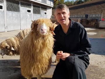 Cristian Pomohaci zambeste din nou! Cum s-a fotografiat fostul preot. Imaginile i-au surprins pe fani