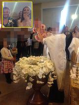 Ilinca Vandici, cu lacrimi in ochi, in momentul in care baietelul ei a fost bagat in cristelnita! FOTo EXCLUSIV