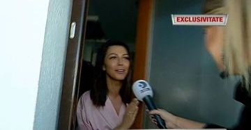 """Lacrimi şi distracţie pe cinste la nunta Ilincăi Vandici! Prezentatoarea emisiunii """"Bravo, ai stil"""" a izbucnit în lacrimi când preotul a amintit de tatăl ei"""