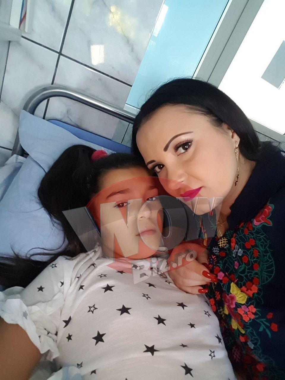 "Imagini care strang inima oricarei mame! Silvana Riciu, internata in spital cu fetita ei! ""Avea temperatura 40, nu se putea tine pe picioare, medicii fac investigatii"" Andrada e pe perfuzii FOTO EXCLUSIV"
