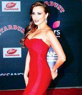 Iulia Vantur s-a ingrasat de cand are o relatie cu Salman Khan! Obiceiul care i-a adus kilograme in plus