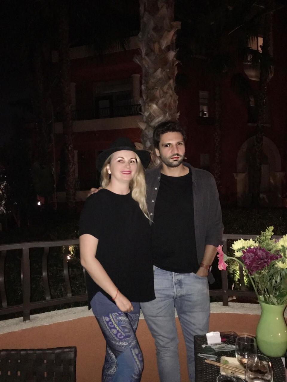 """Surpriza uriasa! Ce actrita din Romania l-a intalnit pe  barbatul fatal din """"Dragoste infinita"""" exact  sub balconul ei, in America! L-a invitat si la un pahar de sampanie"""
