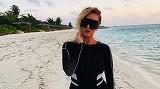 Delia a fugit in Maldive! A aparut in fata fanilor cu cel mai decupat costum