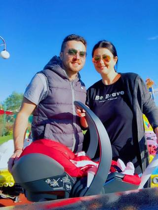 Gabriela Cristea a iesit la plimbare cu fiica si sotul ei! Prezentatoarea TV radiaza de fericire! Imagini de senzatie cu cei trei