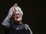 Zeci de persoane si-au luat la revedere de la Olga Tudorache! Trupul ei  a parasit Teatrul National din Bucuresti in ropote de aplauze