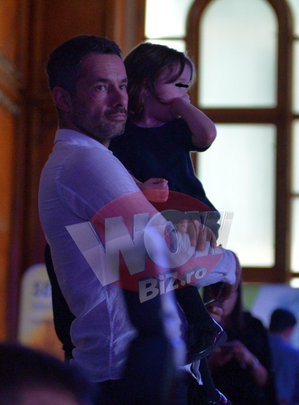 Cum arata azi denuntatorul Elenei Udrea! Barbatul a fost surprins la un eveniment monden impreuna cu fetita lui