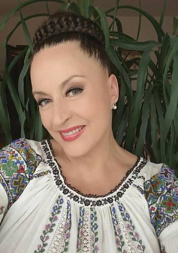 TOTUL despre operatia estetica secreta pe care vrea sa si-o faca Maria Dragomiroiu! Ce o nemultumeste pe cantareata de muzica populara de e gata sa ia masuri radicale EXCLUSIV