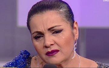 Cornelia Catanga, distrusa de durere: o persoana draga a facut accident vascular! Artista si-a anulat toate cantarile!
