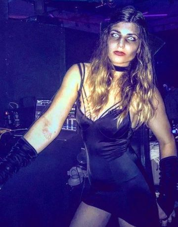 "Ana Geoana s-a ""aranjat"" horror de Halloween, incercand sa-si sperie amicii! FOTO"