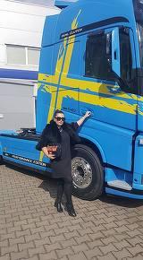 """Bianca Rus incaseaza un salariu de 1.000 de euro de la firma de transport a parintilor, dar afacerea produce doar 300 de euro pe luna: """"Munca este pe masura si satisfactiile sunt mari!"""""""