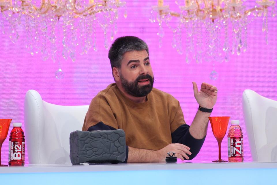 "Ramona se simte nedreptatita si arata cu degetul spre rivala ei, Anca! Tanara izbucneste in plans si il acuza pe Maurice, azi, la ""Bravo, ai stil!"", de la 16.30, la Kanal D"
