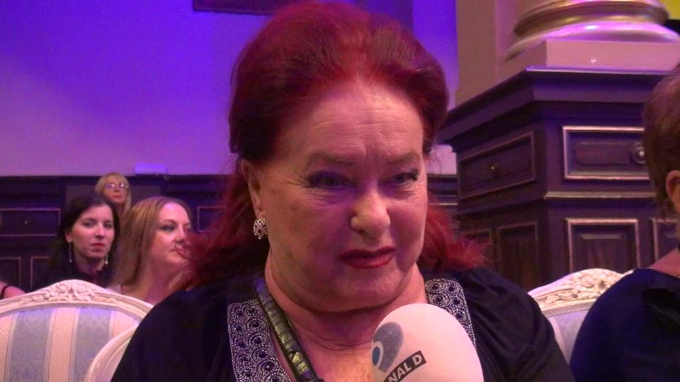 Stela Popescu, declaratii in premiera despre inca un necaz care s-a abatut asupra lui Arsinel! Sotia lui este si ea bolnava! VIDEO EXCLUSIV!