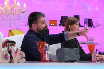 "Maurice Munteanu despre Emiliana: ""Sansele ca tu sa reproduci o tinuta copiata unu la unu dupa o tinuta celebra sunt zero"" Ce raspuns ii da concurenta aflati azi, la ""Bravo, ai stil!"", de la 16.30, la Kanal D"