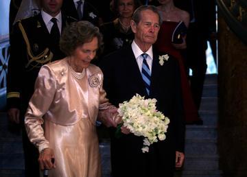 Povestea de dragoste dintre Regele Mihai si Regina Ana. Au petrecut 44 de ani in exil, impreuna, au avut 5 copiii si au facut nunta de diamant in avans!