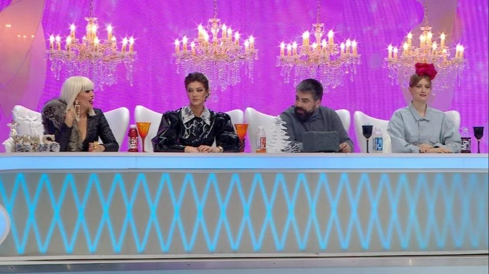 "Cristina Ich si Razvan Ciobanu, sarut pasional in platoul ""Bravo, ai stil!"" Show-ul va fi difuzat azi, incepand de la ora 16.30, la Kanal D"