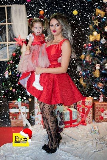 La nici 2 ani, fetita Sanzianei Buruiana isi castiga proprii bani! Micuta are deja primul contract de imagine cu o firma ce comercializeaza rochite – Video Exclusiv!