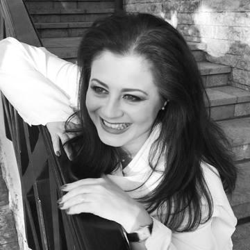 Corina Danila, sedinta foto sexy! Uite cat de bine arata prezentatoarea la 45 de ani FOTO
