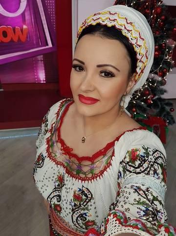 Silvana Riciu a adus Targul de Craciun in platoul Teo Show