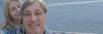 Cornel Gales, rasfat curat pe un vas de croaziera! Sotul Ilenei Ciuculete sta la plaja in luna decembrie! Foto!