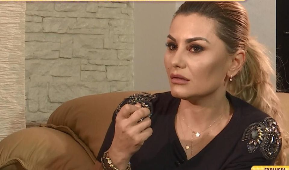 """Emilia Ghinescu, abandonata de tata: """"Nu a vrut sa aiba de-a face cu mine"""" Marturisiri triste facute de cantareata"""