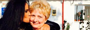 Laurette, momente cumplite cu mama ei! Femeia a fost operata la coloana vertebrala VIDEO EXCLUSIV