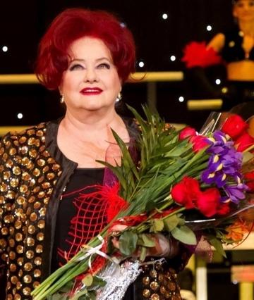 Stela Popescu le-a explicat fanilor ca nu este mama fratelui lui Banica jr. Multi au crezut ca regretata actrita a fost casatorita cu Stefan Banica