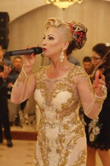 Fotografii rare cu Stana Izbasa, facute in urma cu 20 de ani! Cantareata de muzica de petrecere arata mai bine la 47 de ani decat la 27!