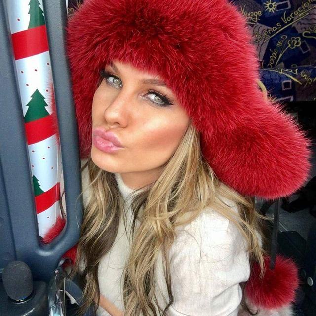 Anna Lesko arata senzational! A aparut aproape dezbracata si barbatii au fost topiti dupa ea