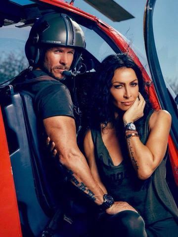 Iubitul Mihaelei Radulescu e considerat legenda vie in America, la fel ca Angelina Jolie si Tom Cruise! Vezi ce distinctie a primit parasutistul austriac!