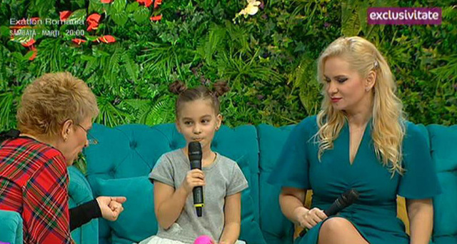 """Paula Chirila, cu fiica ei la Teo! Blonda l-a complimentat pe Bursucu: """"Esti un barbat frumos, atragator, dar am inteles ca..."""""""