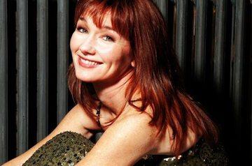 Cântăreaţa Lari White a murit! Fusese diagnosticată cu o formă gravă de cancer în luna septembrie