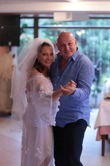 Bebe Cotimanis divorteaza? Gestul facut de sotia lui spune totul! Actorul a fost surprins de paparazzi in compania altei femei EXCLUSIV
