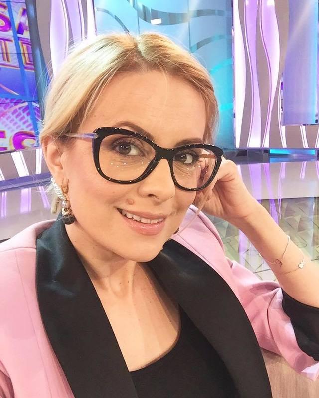 "Au trecut noua luni de cand a devenit mamica, iar astazi Simona Gherghe a dat vestea! Fanii au dat imediat ""LIKE"""